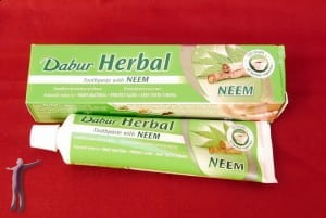 Pasta do zębów Dabur Herbal Neem